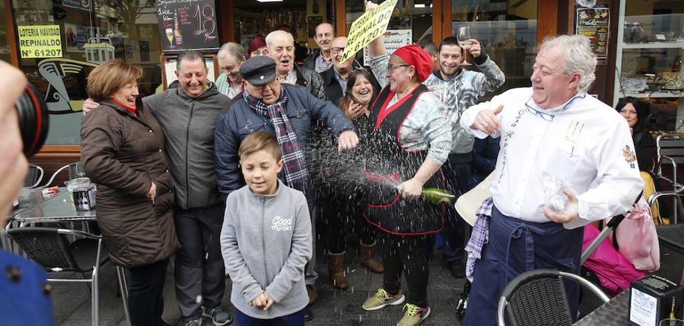 El 61207, un cuarto premio de la Lotería de Navidad, reparte 34 millones de euros en Candás