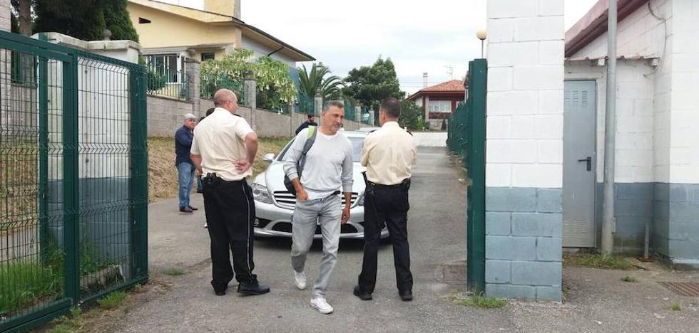 Miembros de seguridad privada impiden a Blas García entrenar y éste suspende el ensayo del Real Avilés