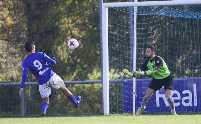El Avilés pierde por inferioridad ante el Oviedo B (2-1)