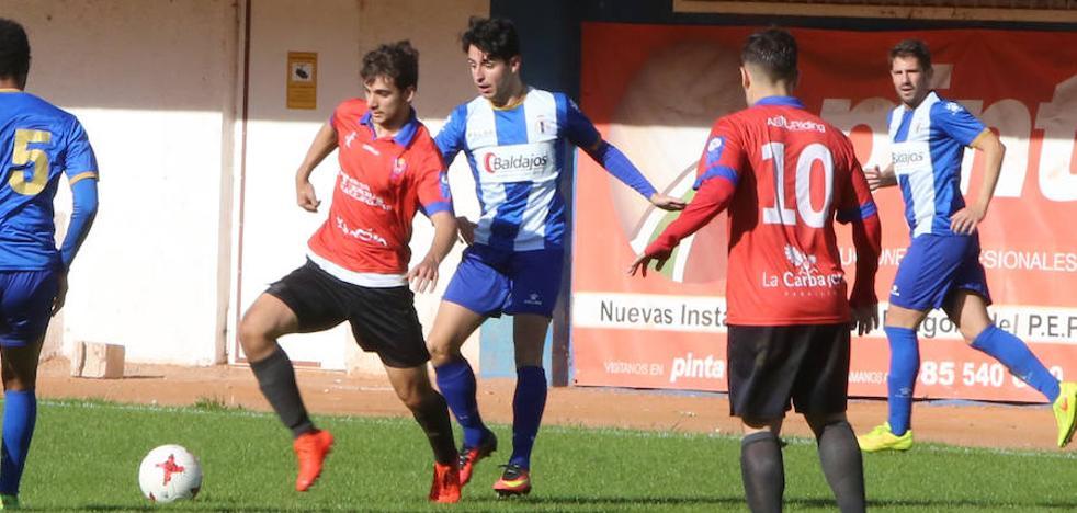 Empate sin goles entre el Real Avilés y el Ceares en el Suárez Puerta