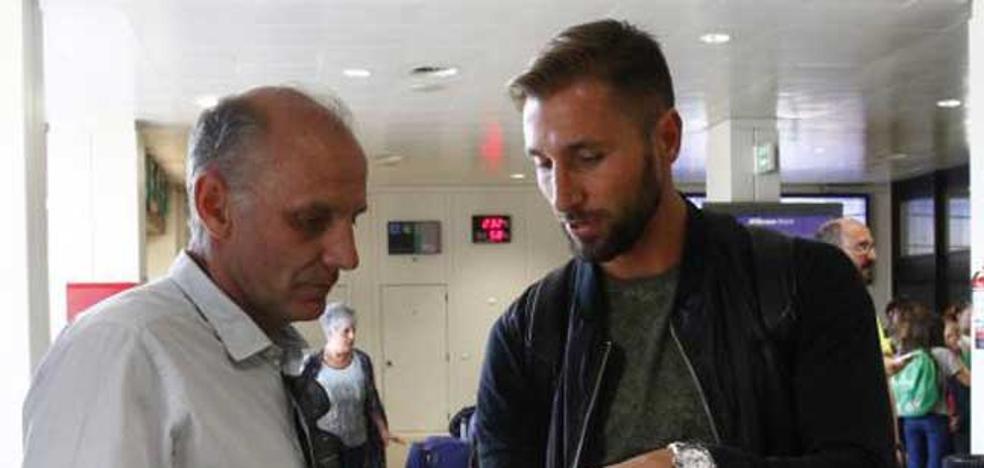 Nahuel Valentini llega al Real Oviedo «con muchos sueños por cumplir»