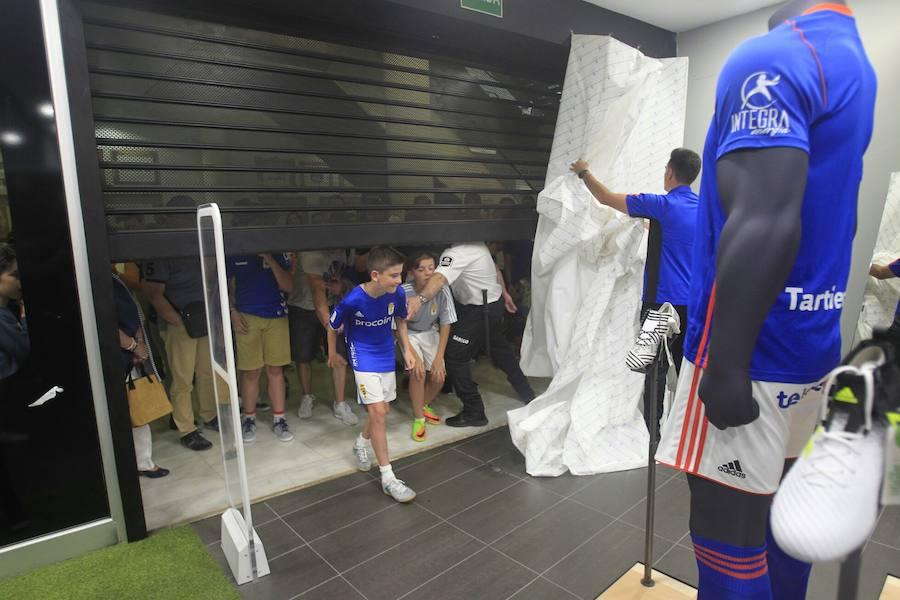 Presentación de la nueva equipación del Real Oviedo