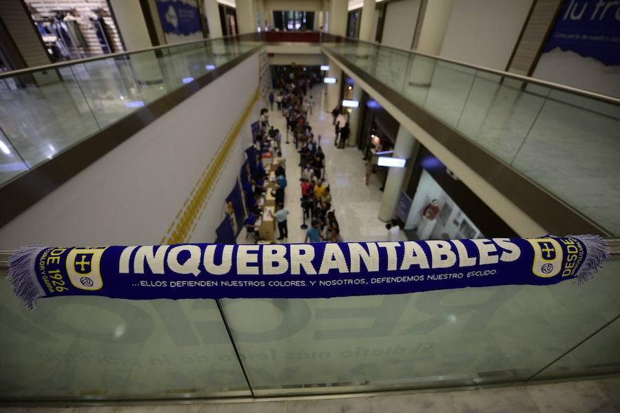 Los socios del Real Oviedo comienzan a sacar sus abonos