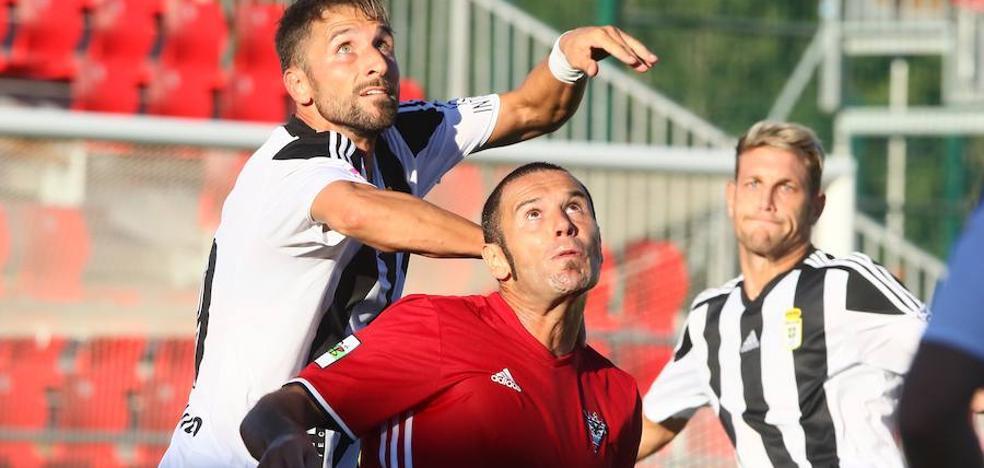 El Real Oviedo no remata la faena ante el Mirandés