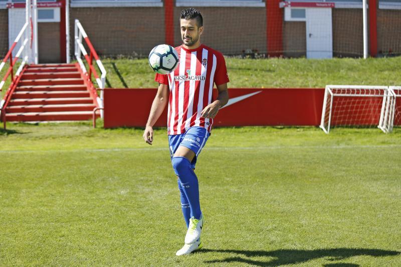 Álex Pérez ya es jugador del Sporting