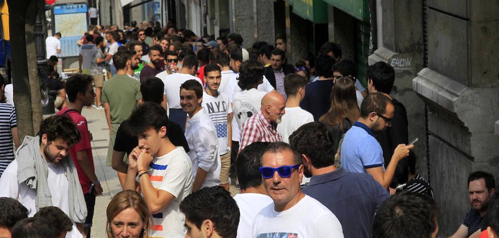 El Real Oviedo pondrá a la venta mañana las últimas entradas para el derbi