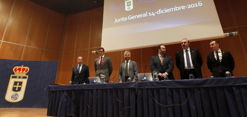 Las cuentas del Real Oviedo caminan hacia la consecución de la deuda cero