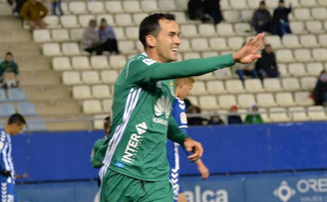 El Oviedo sobrevive a la ausencia de Toché a base de goles de Linares