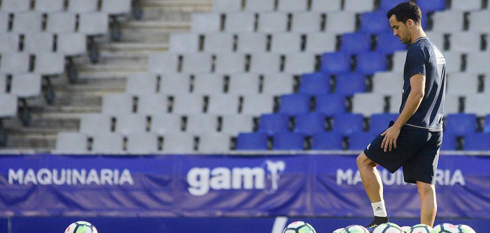 Real Oviedo | «Estoy muy feliz por devolver el cariño de la gente con goles»