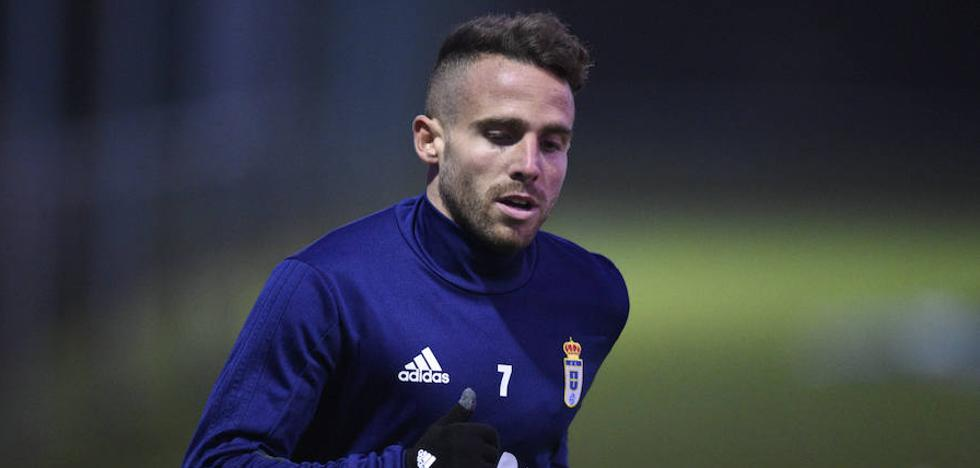 Real Oviedo | Aarón Ñíguez regresa a la convocatoria cuatro semanas después