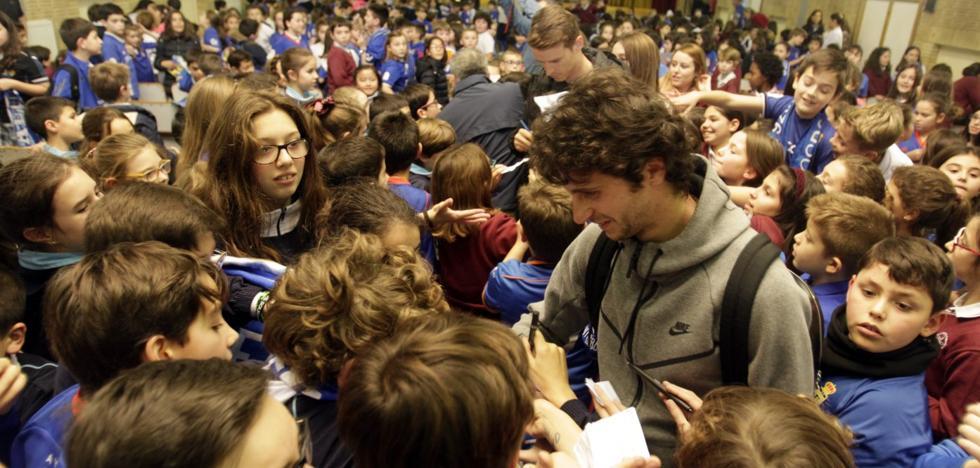 Real Oviedo | Baño de oviedismo para Hidi y Fabbrini