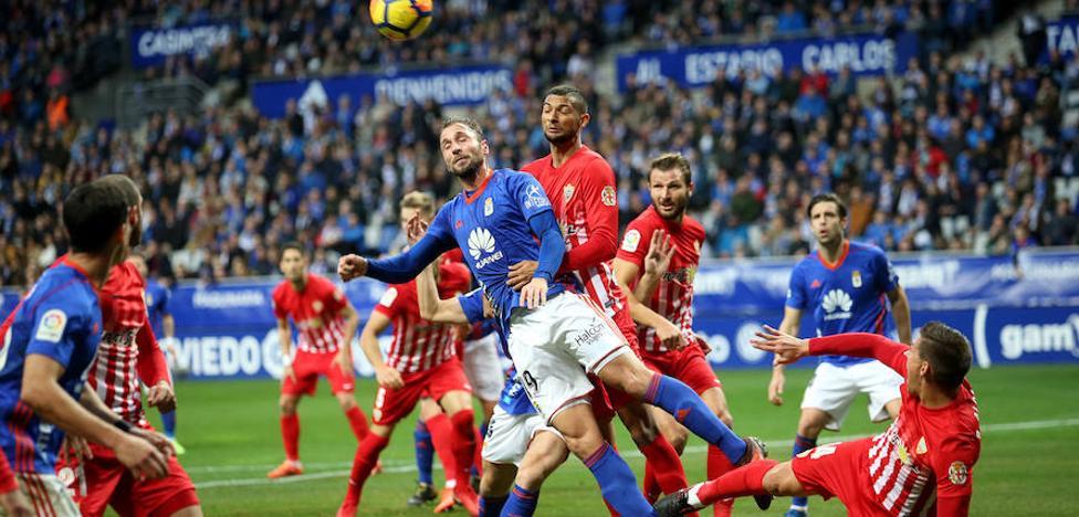 El Oviedo remonta y se agarra a los puestos altos
