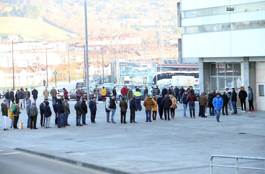 El derbi Real Oviedo-Sporting sigue provocando colas