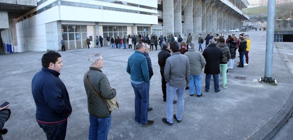 Real Oviedo | El oviedismo agota las entradas para el derbi de la próxima semana