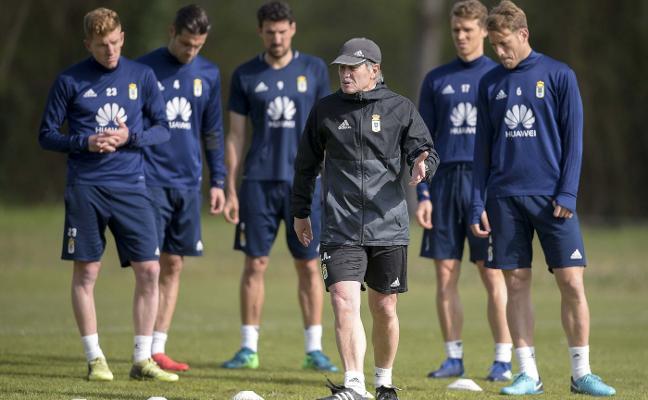 Real Oviedo | La hora de la confirmación azul