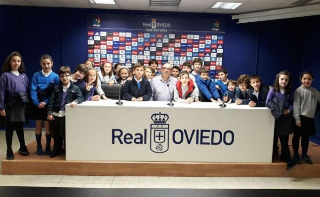 El Real Oviedo se apunta al bilingüismo