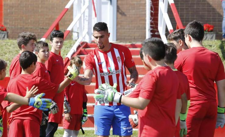 El Sporting presenta a Juan Sebastián Quintero