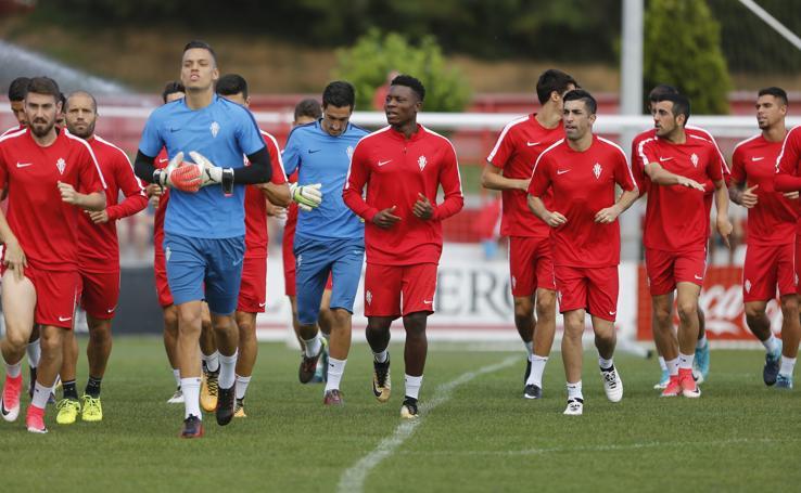 Entrenamiento del Sporting (17/08/17)