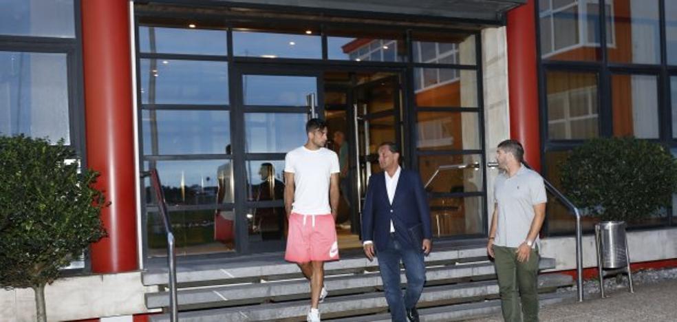 Sporting | El conflicto abierto con Babin precipita el fichaje de Álex Pérez para reforzar la defensa