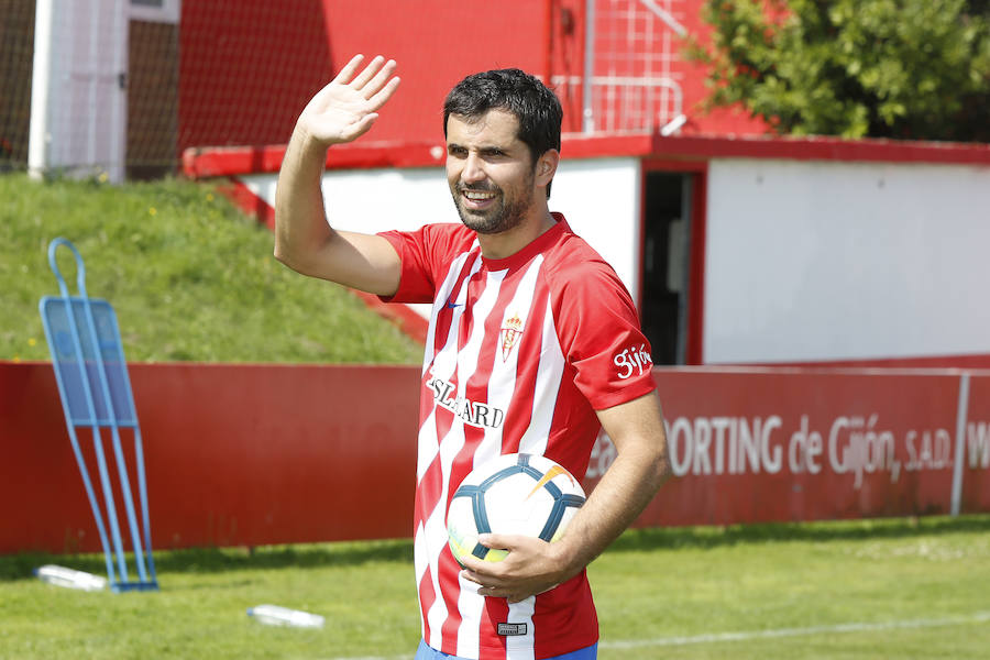 Presentación de Álex López como nuevo jugador del Sporting