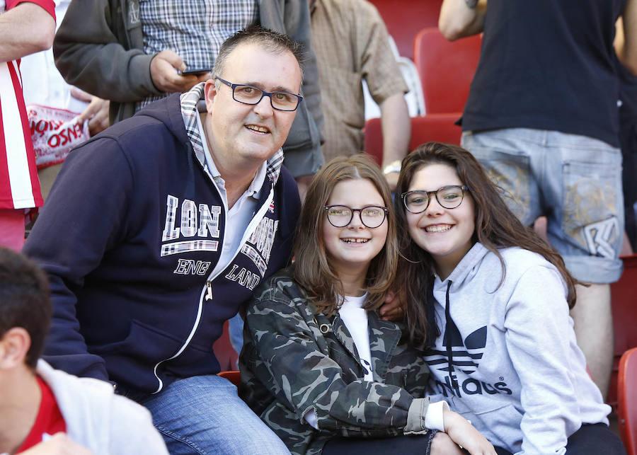 ¿Estuviste en el Sporting - Sevilla Atlético? ¡Búscate! (1)