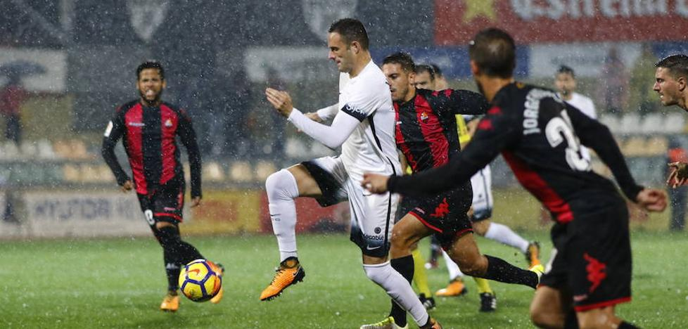 El Sporting hace aguas en Reus