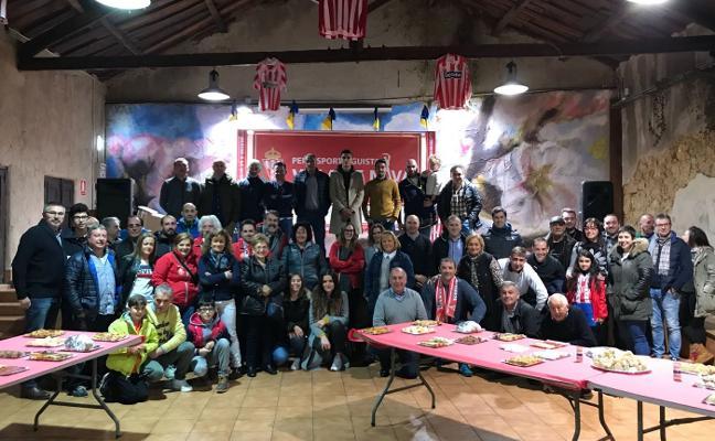 La peña sportinguista Villa de Nava celebra su tercer aniversario