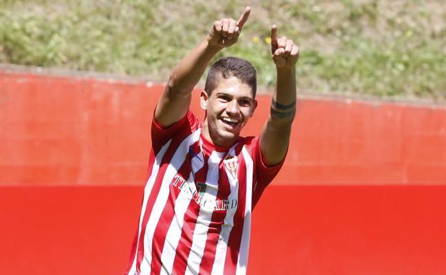 El extremo del filial Bertín se incorpora al entrenamiento del Sporting