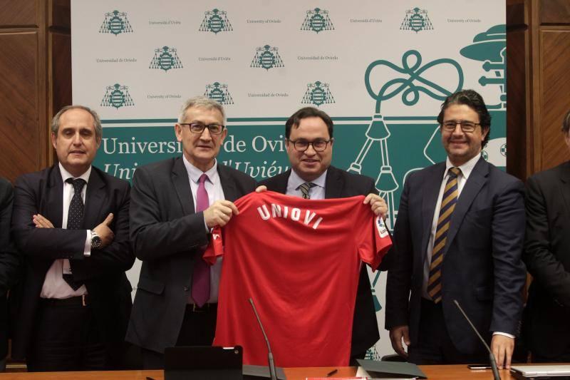 Convenio entre la Universidad y Sporting