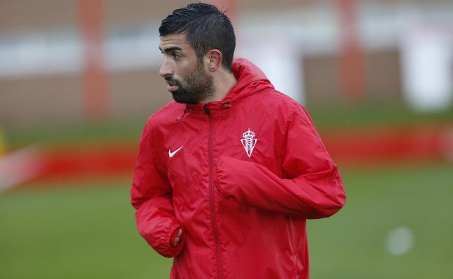 «Me gustaría seguir en el Sporting», reconoce Santos