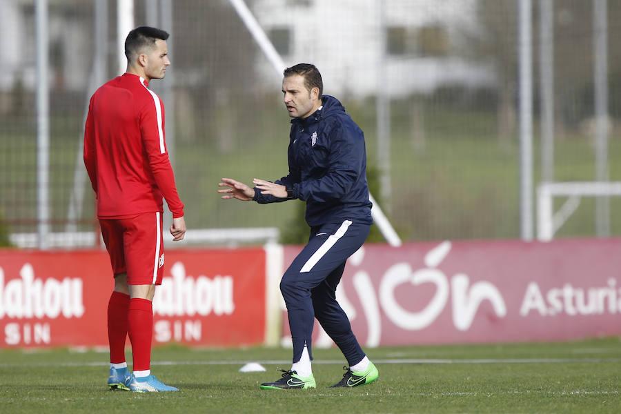 El Sporting se entrena en Mareo a las órdenes de Baraja