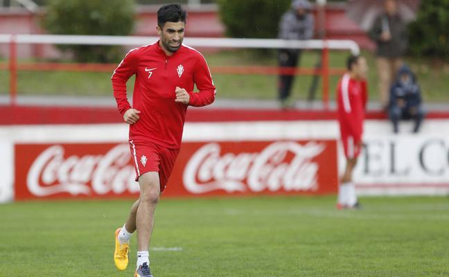 SPORTING | «La destitución de Herrera fue un golpe duro para la plantilla», asegura Michael Santos
