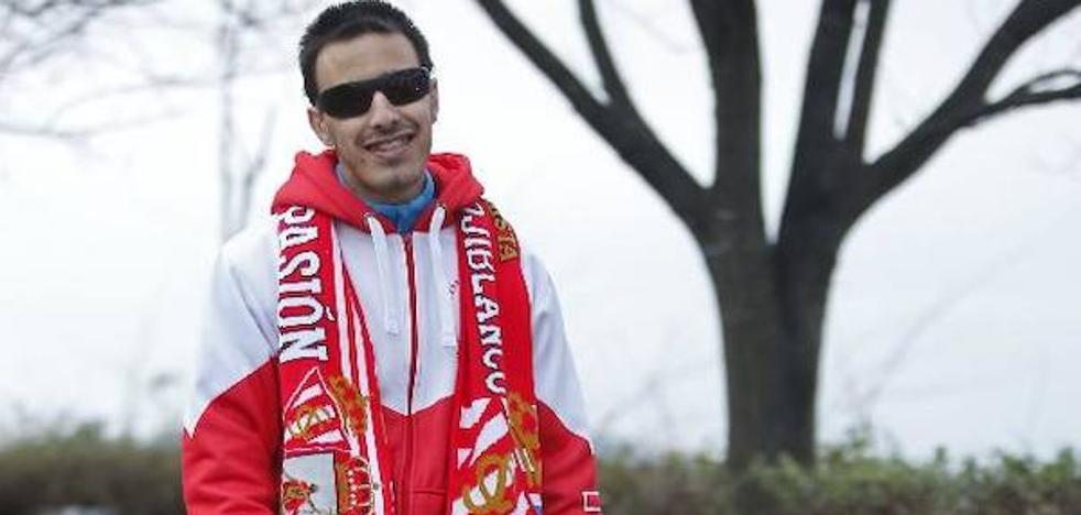 Calavera se rinde a Álex Varela, el invidente candidato al premio 'Mañana saldrá el sol'