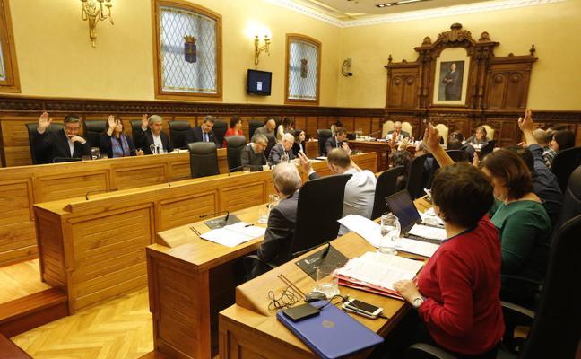Los grupos políticos de Gijón piden al Sporting que tome medidas para erradicar los actos violentos