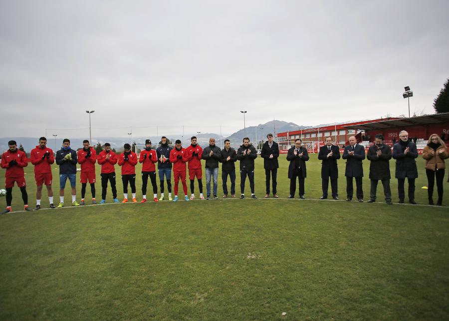El Sporting guarda un minuto de silencio en memoria de Quini