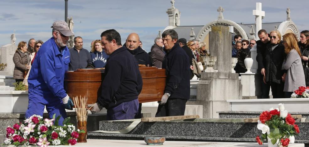 Quini y Jesús Castro ya descansan juntos: la leyenda se reencuentra con el héroe
