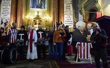 El padre Ángel eleva a Quini a los altares