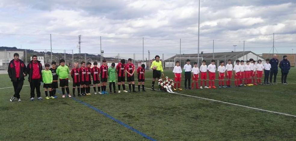 El nieto de Quini dedica tres goles a su abuelo