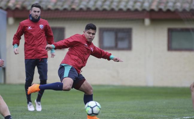 Rubi recupera a 'Cucho' Hernández para el partido del lunes en El Alcoraz