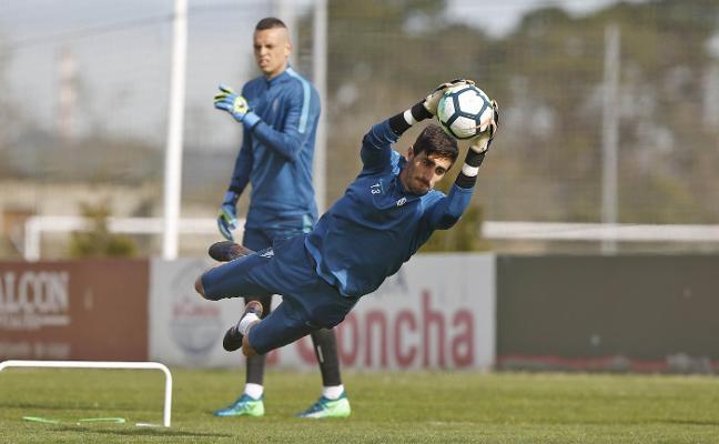 Diego Mariño: «Es mejor que Jony se pierda un partido a que se agrave su lesión»