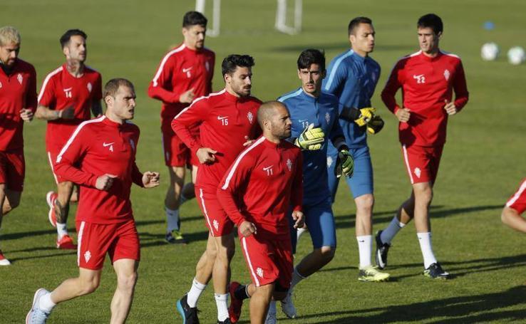 Llegada a Mareo y entrenamiento del Sporting (19-05-2018)