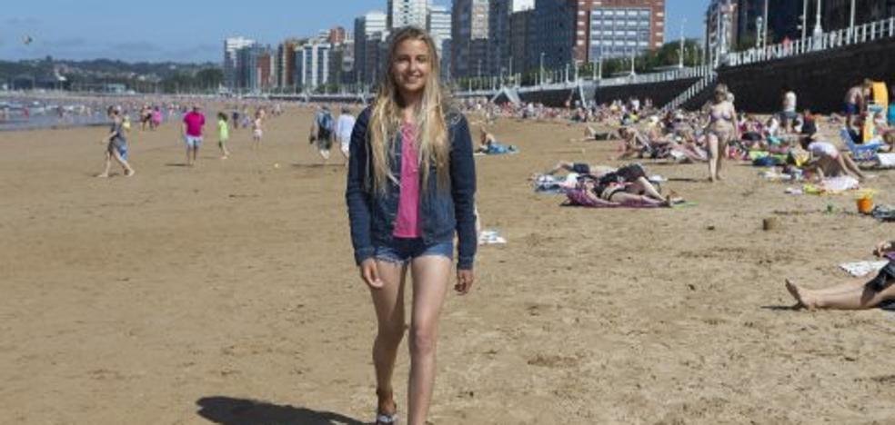 Nerea Donaire, una gijonesa campeona de España de surf