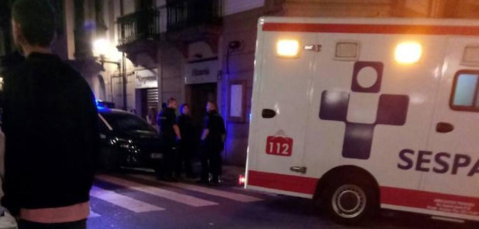 El joven apaleado en Gijón fue atacado por la espalda con una baldosa
