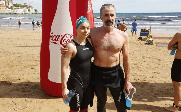 Alba Ortiz y Kimbo Vallejo, ganadores de la Travesía de las Playas de Gijón