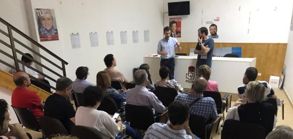 Pérez responde a los 'sanchistas' que se presenta a la FSA sin «ataduras de nadie»