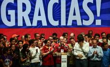 Unos 7,2 millones de venezolanos votan contra Maduro