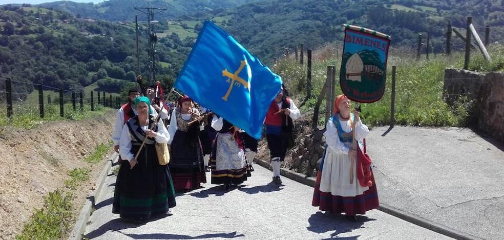 Las fiestas de santiago ofrecen un vuelo 39 cautivo 39 en for Piscinas la morgal