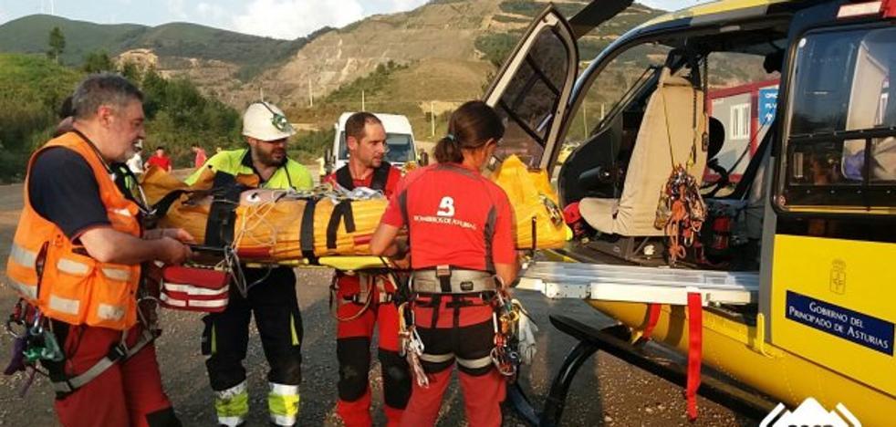 Herido un minero gijonés de 39 años tras un derrabe en Boinás