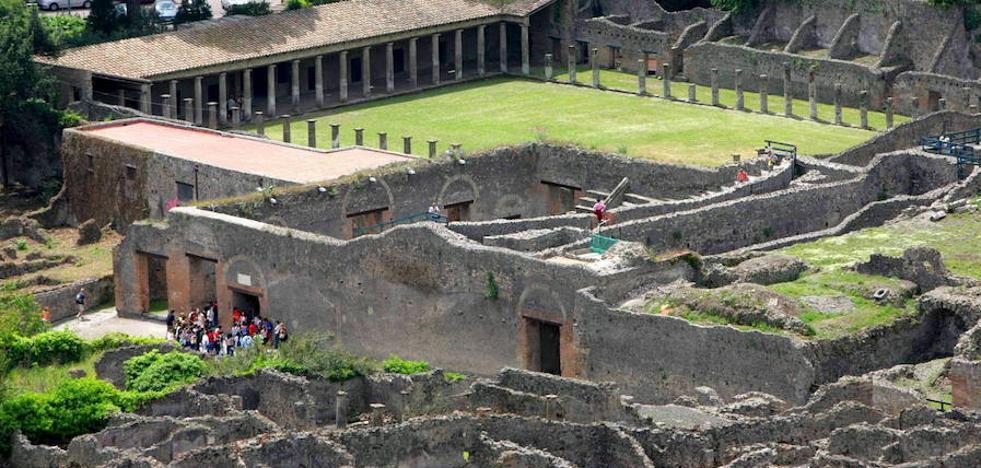 Un turista español denunciado por defecar en las ruinas de Pompeya