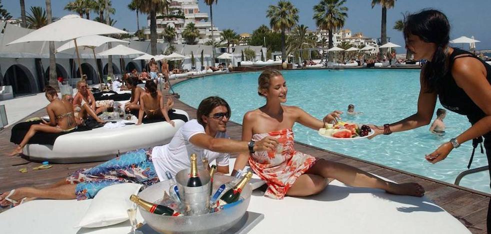Marbella no quiere que se le cuele el turismo 'low cost'